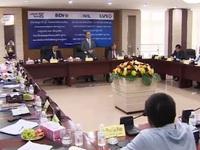 Chủ tịch Quốc hội gặp gỡ doanh nghiệp Việt Nam tại Lào
