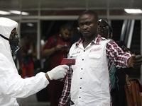 Mỹ thắt chặt kiểm dịch với du khách từ vùng dịch Ebola