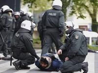 Đức: Bắt giữ các phần tử tình nghi hỗ trợ IS