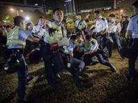 Cảnh sát Hong Kong đụng độ với người biểu tình