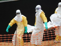 Sierra Leone đóng cửa hoàn toàn đất nước để kiềm chế dịch Ebola