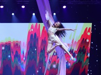 Bước nhảy hoàn vũ nhí: Beyonce nhí bay lơ lửng trong không trung