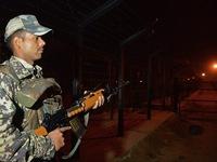 Ấn Độ và Pakistan ngừng giao thương và nghi thức quân sự ở biên giới