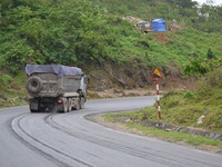Tăng cường phòng hộ đường bộ đoạn đèo dốc nguy hiểm