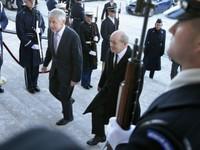Mỹ và Pháp tăng cường phối hợp chống IS và Ebola