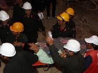 Hình ảnh xúc động từ cuộc giải cứu 12 nạn nhân vụ sập hầm thủy điện Đạ Dâng