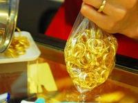 Ấn Độ: Giá vàng giảm, người tiêu dùng đổ xô mua vào