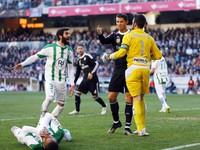 Cristiano Ronaldo được nạn nhân ăn đòn xin giảm án treo giò