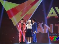 VTV Awards 2015: Xuân Bắc - Trường Giang làm loạn sân khấu vì không được đề cử