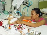 Bé 6 tháng tuổi nguy kịch vì viêm phổi, tim bẩm sinh