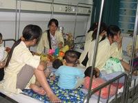 Số trẻ mắc bệnh viêm não đang gia tăng