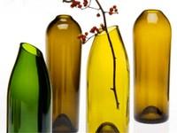 Tái chế vỏ chai rượu cũ thành đồ trang trí