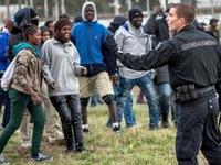 Anh và Pháp hợp tác giải quyết khủng hoảng nhập cư