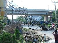 Dừng thi công công trình có cần cẩu rơi khiến 3 người chết