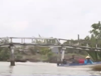 Cà Mau: Người dân nơm nớp lo cầu sập