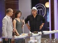 Vua đầu bếp Việt 2015: Giám khảo nổ ra tranh cãi ngay tập đầu tiên