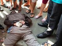 TP.HCM: Hàng chục người dân vây bắt tên cướp tiệm vàng