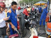 Giảm giá dầu hỏa, giữ nguyên giá xăng