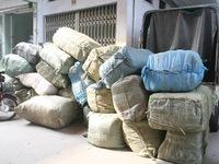 Bắc Giang: Bắt 10 tấn hàng lậu vận chuyển bằng xe khách