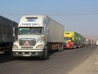 Hàng nghìn xe tải ách tắc trên Quốc lộ 1A