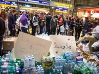 Hàng trăm nghìn người di cư khốn khổ trong giá rét