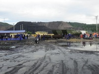 Bục túi nước đường lò: Hơn 200 người tham gia cứu hộ