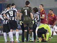 Đàn em rủ rê Totti, Pirlo sang Argentina chơi bóng