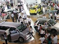 Việt Nam tiêu thụ gần 158.000 ô tô năm 2014
