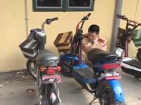 Người dân Hà Nội không vội với việc đăng ký xe máy điện
