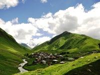 Vẻ đẹp cổ kính của ngôi làng cao nhất châu Âu
