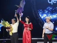 Thời hoa đỏ ẵm giải Bài hát yêu thích nhất tháng 8