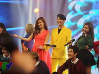 Gặp gỡ VTV 2015: Noo Phước Thịnh khoe nụ cười chói lóa, tình tứ với Đông Nhi