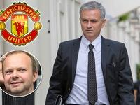 Jose Mourinho đặt bút ký hợp đồng dẫn dắt Man Utd