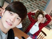 Phim Tuổi thanh xuân 2: Tình địch Nhã Phương lộ ảnh thân mật với Kang Tae Oh