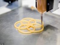 Thưởng thức món ăn được chế biến từ... máy in 3D