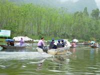 Hà Nội xử lý 21 đối tượng cò mồi tại di tích chùa Hương