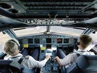 """Giật mình với những tiết lộ """"động trời"""" của các tiếp viên hàng không"""