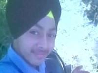 Thiếu niên Ấn Độ tử vong vì chụp ảnh selfie với súng