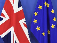 """""""Lương người lao động Anh sẽ tăng nếu Anh rời EU"""""""