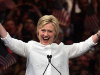 Bà Hillary Clinton chính thức đại diện đảng Dân chủ tranh cử Tổng thống Mỹ