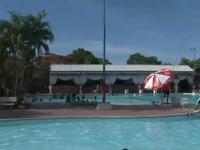 Hiểm họa khôn lường từ bể bơi công cộng