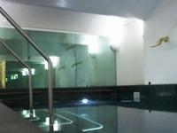 Bể bơi cao cấp lấy nước từ... Địa Trung Hải
