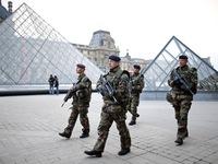 Số lượng đặt vé máy bay đến Pháp giảm gần 20 sau khủng bố ở Nice
