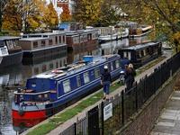 Nhà thuyền - Giải pháp thời bão giá bất động sản tại London