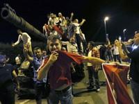 Kết thúc cuộc đảo chính ở Thổ Nhĩ Kỳ