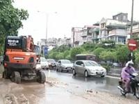 Quảng Ninh: Mưa lớn khiến Cẩm Phả ngập lụt và ùn tắc giao thông
