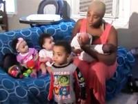 Chuyện lạ: Bà mẹ 20 tuổi 3 lần sinh đôi