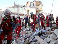 Italy ban bố tình trạng khẩn cấp sau động đất