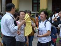 Hàng nghìn thí sinh bước vào kỳ thi tuyển lớp 10 THPT chuyên Ngoại ngữ