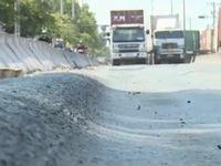TP.HCM: Tuyến đường vào cảng Cát Lái xuất hiện nhiều rãnh sâu cả chục cm